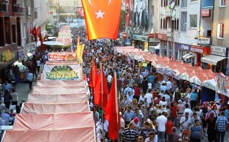 Ülke Çubuk Turşu ve Kültür Festivali'ne Aktı