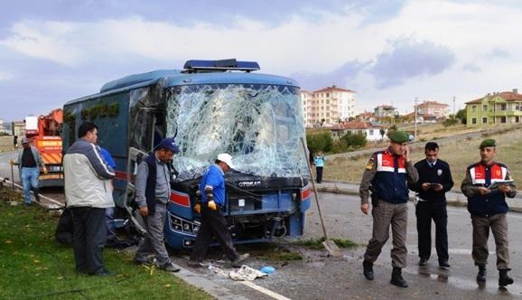 mahkum nakil araci kaza yapti