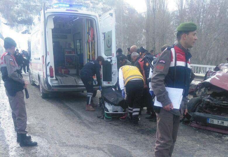 Şabanözü Yolunda Feci Kaza 3 Yaralı 3 Ölü