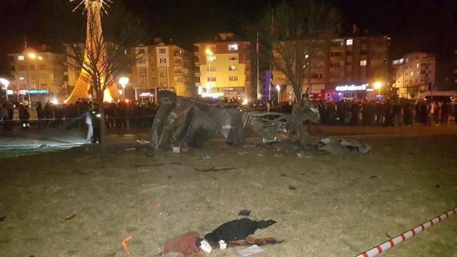 Feci Kazada 5 Kişi Öldü 1 Kişi Yaralı